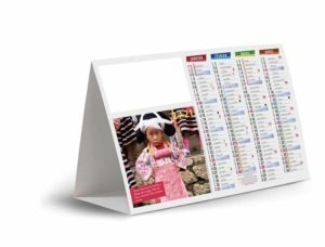 calendrier avec photo enfants costume traditionnel